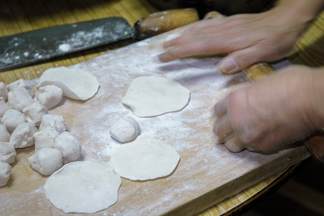 餃子の皮も手作り@北京前門2006