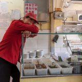 市井の人たちとの交流@北京火車駅