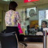 窓口にはガラスの仕切り@北京の中国銀行