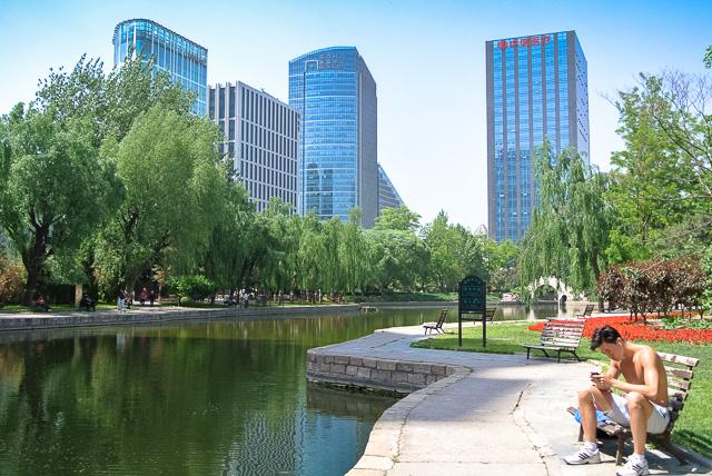 団結湖公園は都市のオアシス@北京