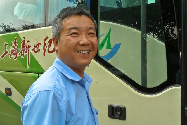 バスの運転手さん@上海南バスターミナル